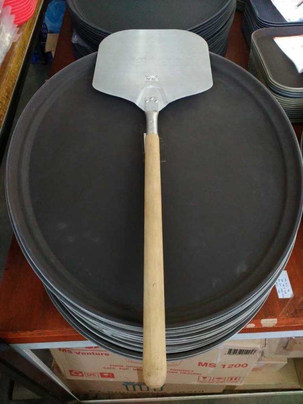 Pizza Spade 30 Cm ( Alum.W/Wooden Hdl.50 Cm) - King Metal