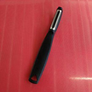 Vertical Peeler Black - TRIANGLE