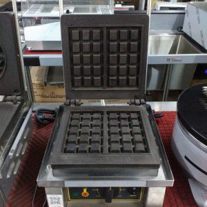 Waffle machine 10 Squares - ROLLER GRILL